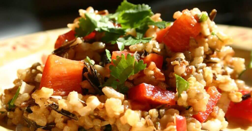 Salada com arroz Codil integral